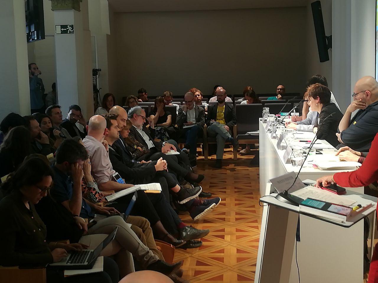 photo 2019 05 16 19 36 43 La UOC organitza el primer debat sobre economia de plataforma amb les principals candidatures a Barcelona